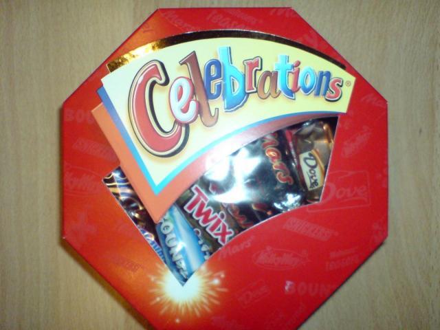 Celebrations, Mischung aus gefüllten Milchschokoladen | Hochgeladen von: huhn2