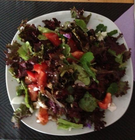 Gemischter Salat, mit Dressing | Hochgeladen von: Mrs.BeTh