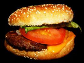 CaP-Burger Cheese, mit Rindfleisch, Gurke, Zwiebel, Tomate,  | Hochgeladen von: Samson1964