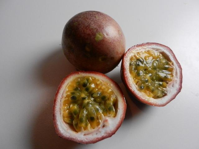 Passionsfrucht, roh | Hochgeladen von: maeuseturm
