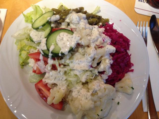 Gemischter Salat, mit Dressing | Hochgeladen von: xmellixx