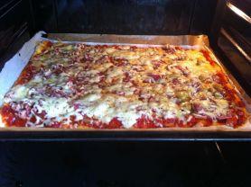 Pizza selbstgemacht | Hochgeladen von: Chivana