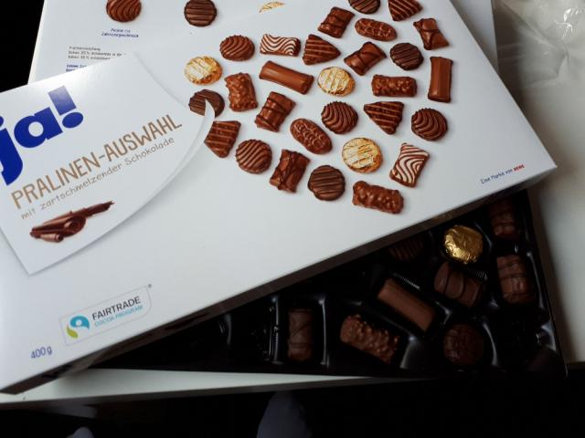 Pralinen-Auswahl, mit zartschmelzender Schokolade von mofzx | Hochgeladen von: mofzx