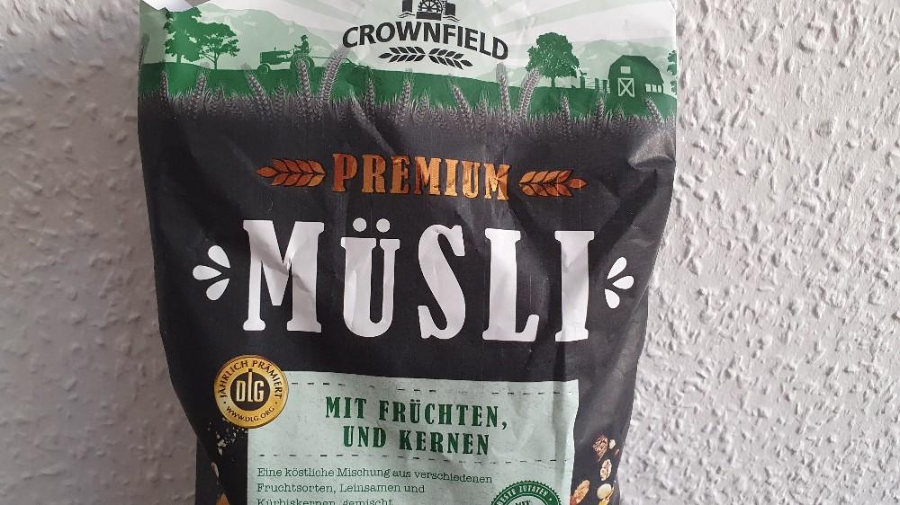 Premium Müsli mit Früchten und Kernen von Phoen1x | Hochgeladen von: Phoen1x