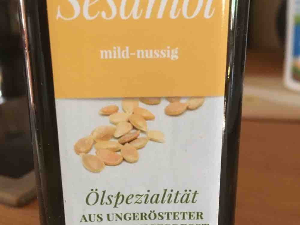 Sesamöl  kaltgepresst, aus ungerösteter Saat von BaldElfe   Hochgeladen von: BaldElfe