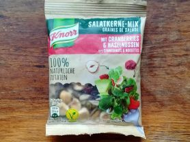 Salatkerne-Mix, mit Cranberries und Haselnüssen   Hochgeladen von: tigerlillyhh