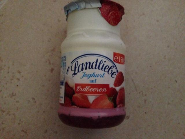 Landliebe Joghurt, auf erlesenen Erdbeeren   Hochgeladen von: Tim O.
