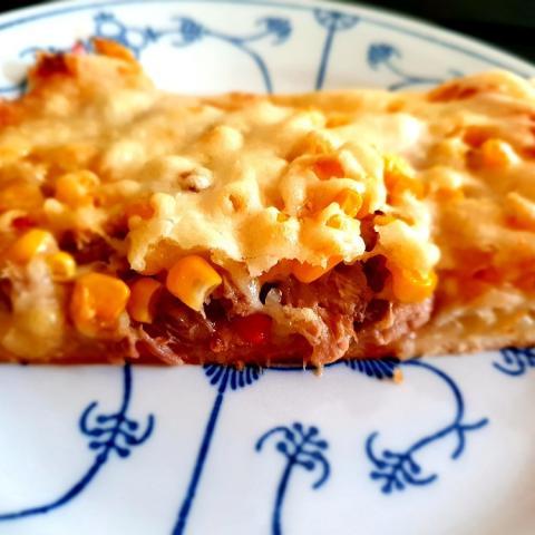 Pizza mit Tomatensoße, Thunfisch, Crevetten von Rosinchen 52   Hochgeladen von: Rosinchen 52