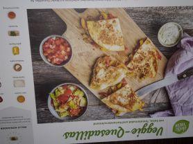 Veggie-Quesadillas, mit Salsa, Tomatensalat und Koriandersch   Hochgeladen von: Michael175