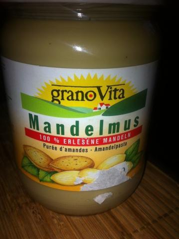 Mandelmus, Mandel   Hochgeladen von: Matthieau