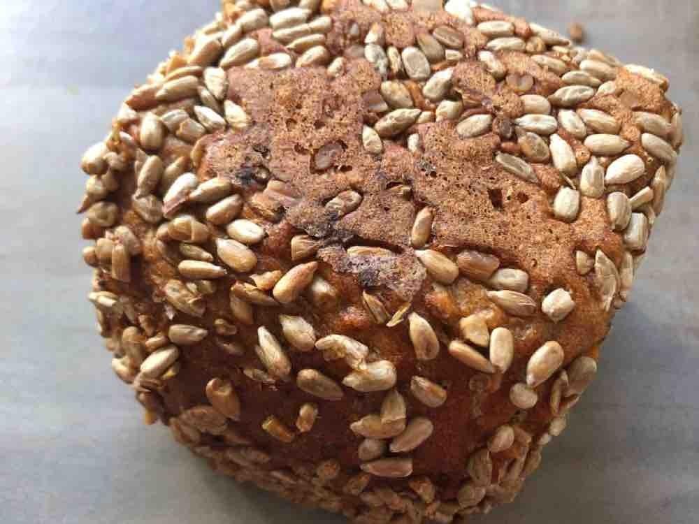 Dinkel Brot mit sonnenblumenkernen von DieNike   Hochgeladen von: DieNike