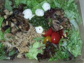 Rucola & Blattsalate mit Vollkorn Nudeln | Hochgeladen von: Miriconi