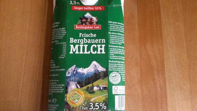 Frische Bergbauern Milch, 3,5% Fett   Hochgeladen von: subtrahine