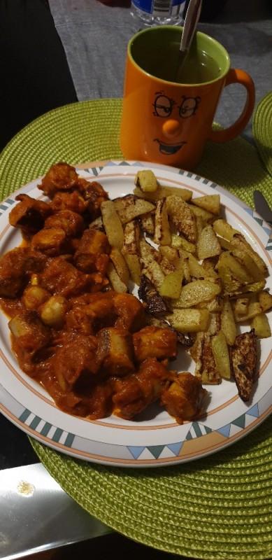 Currywurst mit selbstgemachter Soße von dK2501   Hochgeladen von: dK2501