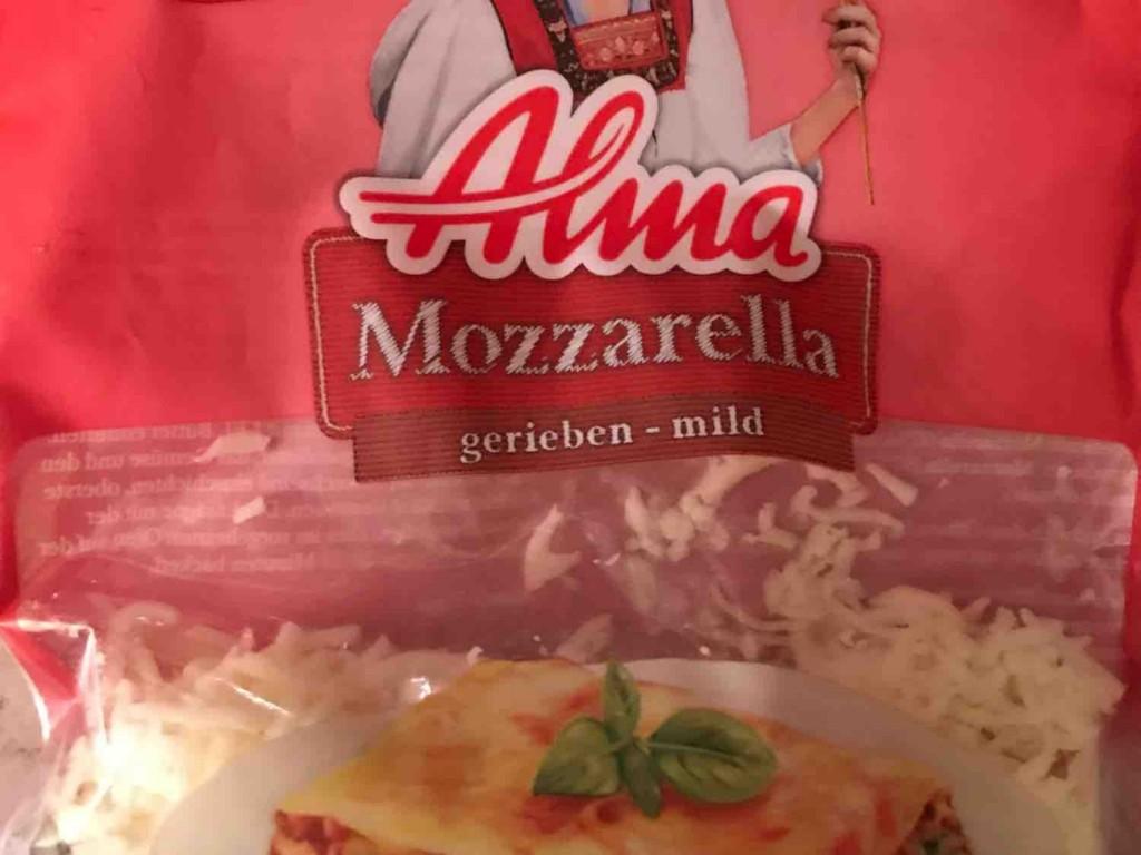 Mozzarella gerieben, Käse von moesli | Hochgeladen von: moesli