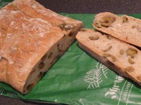 Schüren Bio Oliven-Parmesan-Ciabatta, Weizenbrot   Hochgeladen von: nikxname