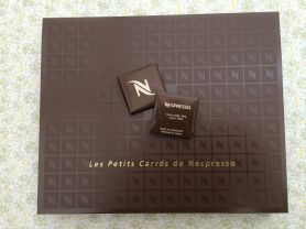 Les Petits Carrés de Nespresso, Milchschokolade, 39% Kakao   Hochgeladen von: puscheline
