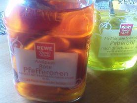 Rote Pfefferonen gefüllt mit Frischkäse | Hochgeladen von: Vici3007