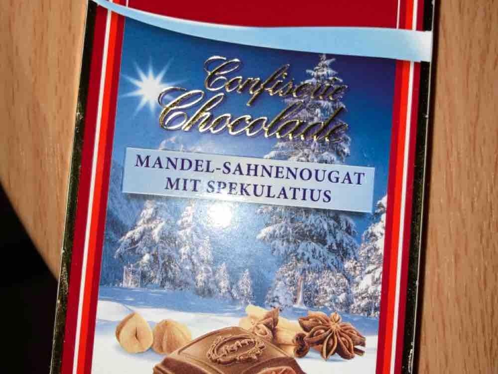 Confiserie Chocolade Winterzeit, Mandel-Sahnenougat und Spekulatius-Stückche von SylkeBueldmoellerweb.de   Hochgeladen von: SylkeBueldmoellerweb.de
