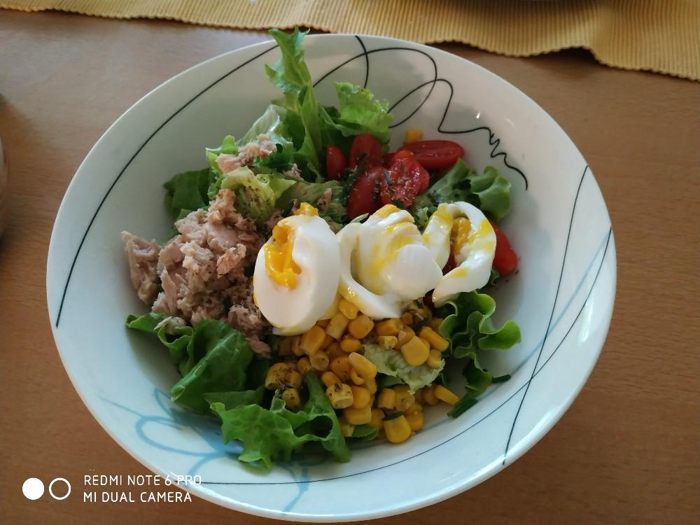 Mahlzeit - Salat mit Thunfisch von Marlis48 | Hochgeladen von: Marlis48