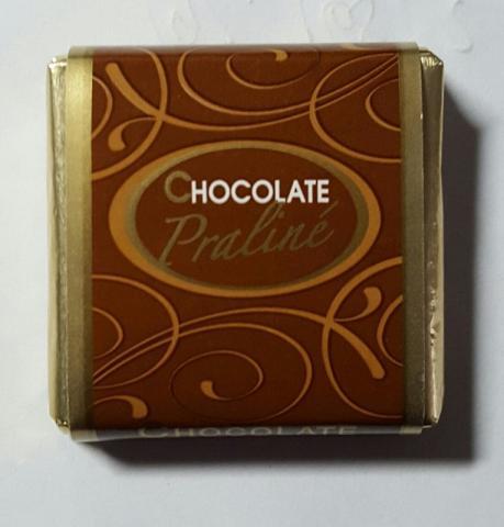 Chocolate Praline, Schokolade m. Nougatfüllung   Hochgeladen von: swordy