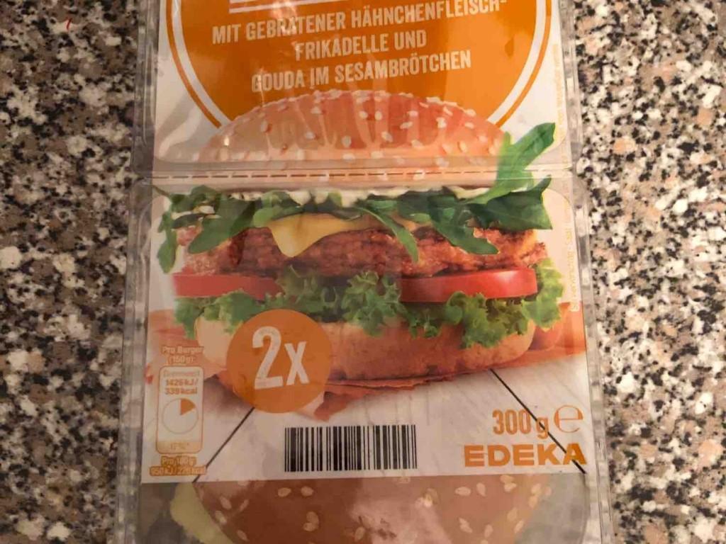 Burger mit gebratener Hähnchenfrikadelle von DefJam   Hochgeladen von: DefJam