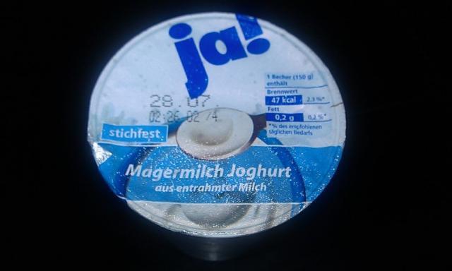REWE ja! Magermilchjoghurt aus entrahmter Milch, stichfest | Hochgeladen von: Maqualady