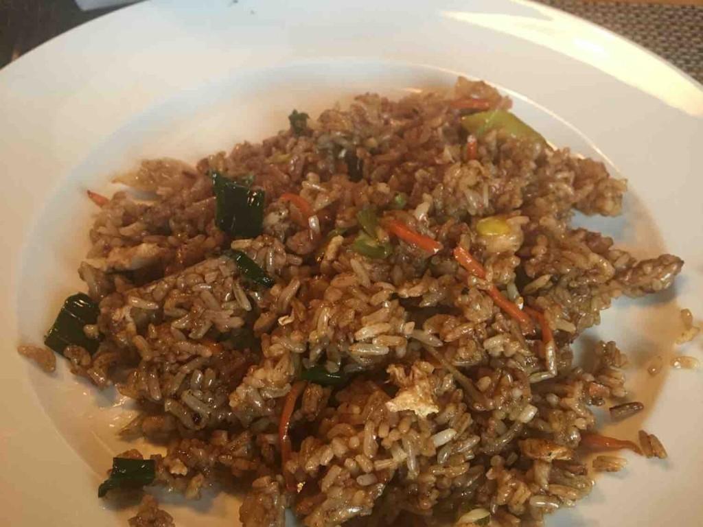 Gebratener Reis mit Hühnerfleisch von Lucagyr | Hochgeladen von: Lucagyr
