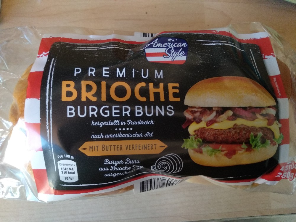 Brioche Burger Buns, mit Butter verfeinert, vorgeschnitten von Regenschein   Hochgeladen von: Regenschein