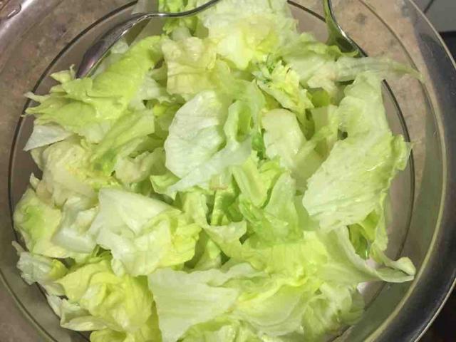 Eisbergsalat, frisch von jakobmoll701 | Hochgeladen von: jakobmoll701