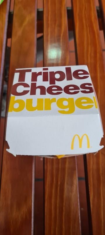 Triple-Cheeseburger von montymax253 | Hochgeladen von: montymax253